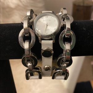 jessica carlyle Accessories - Jessica Carlyle chainlink/strappy bracelet watch